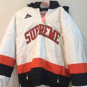 Supreme Hockey Puffer